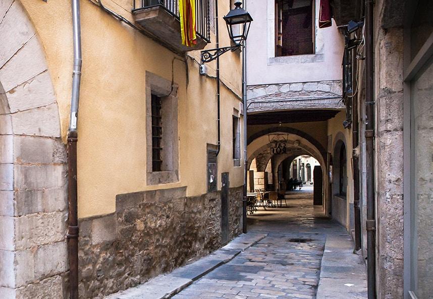 Girona arcades roses