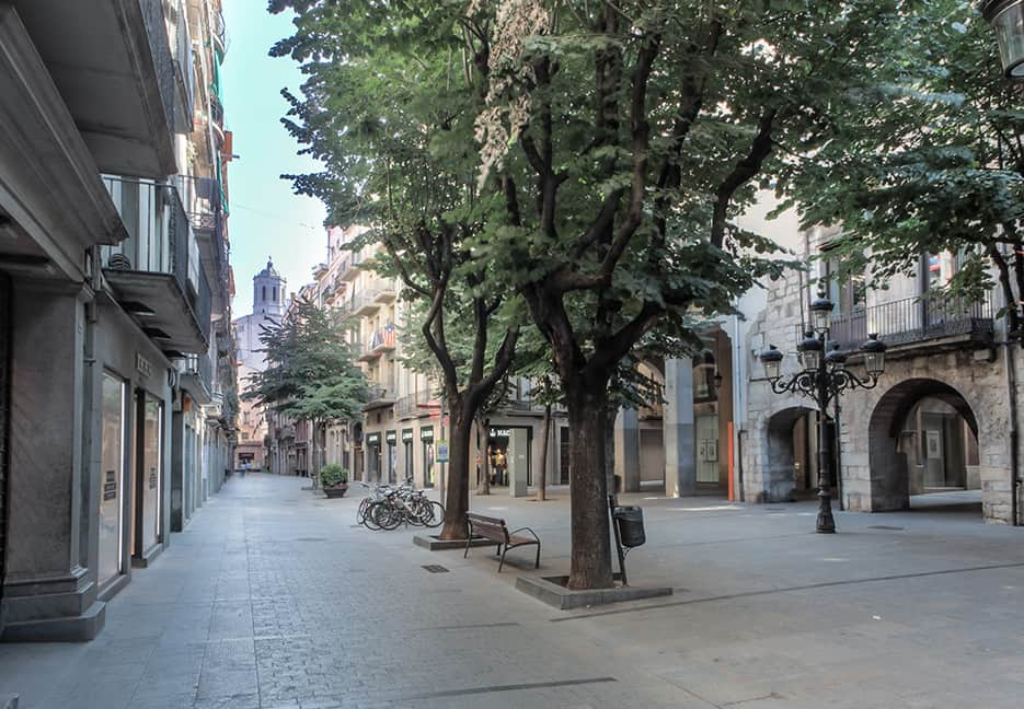 Girona freedom avenue