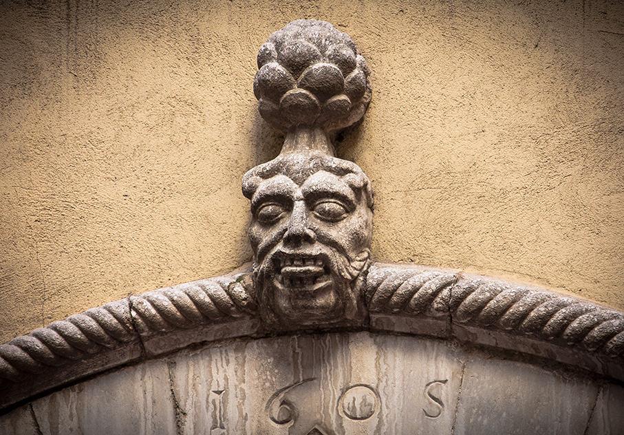 Girona Se mordre langue